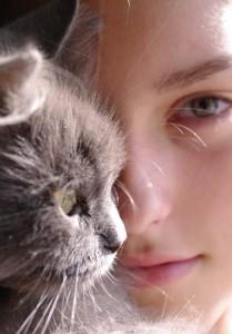 Девушка vs Кошка?